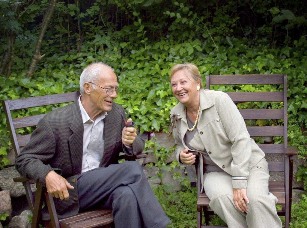Glada pensionärer som avvecklat sitt aktiebolag